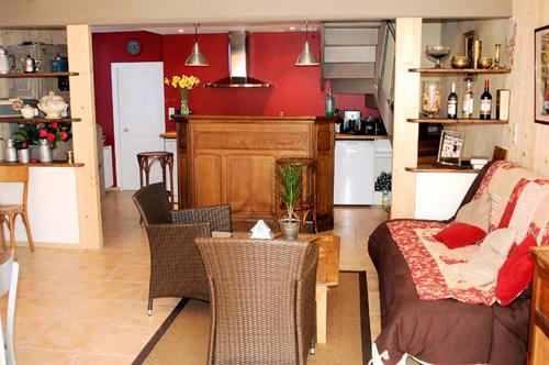 la maison lesven location toute l 39 ann e saint th gonnec dans le finist re. Black Bedroom Furniture Sets. Home Design Ideas